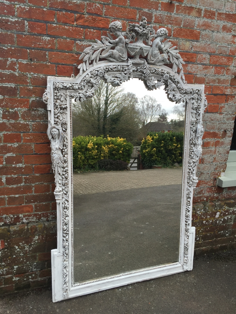 Featured Image of Unusual Mirrors For Sale