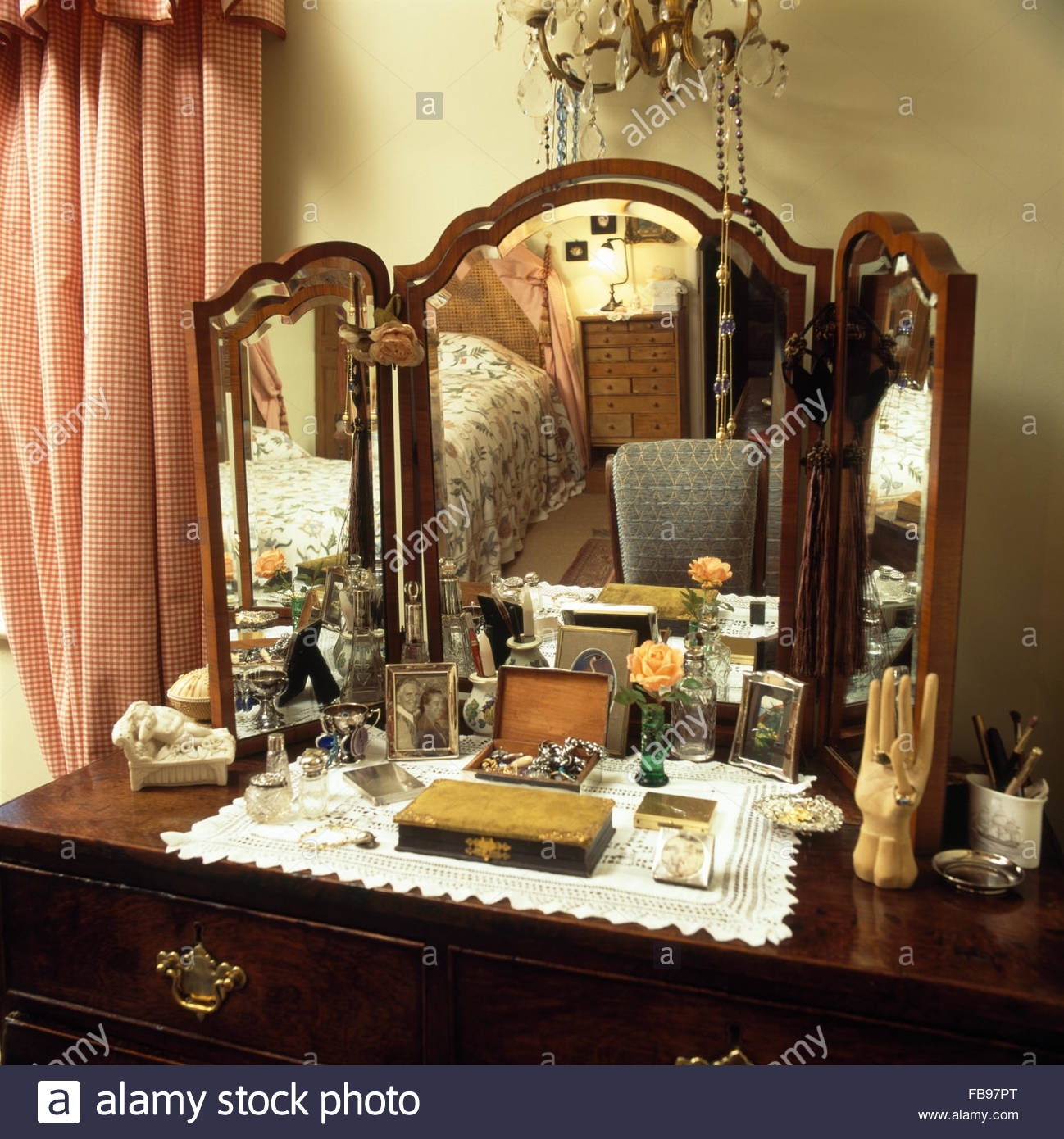 Antique Dressing Table With Triple Mirror In Bedroom With Red Throughout Antique Triple Mirror (Image 3 of 15)