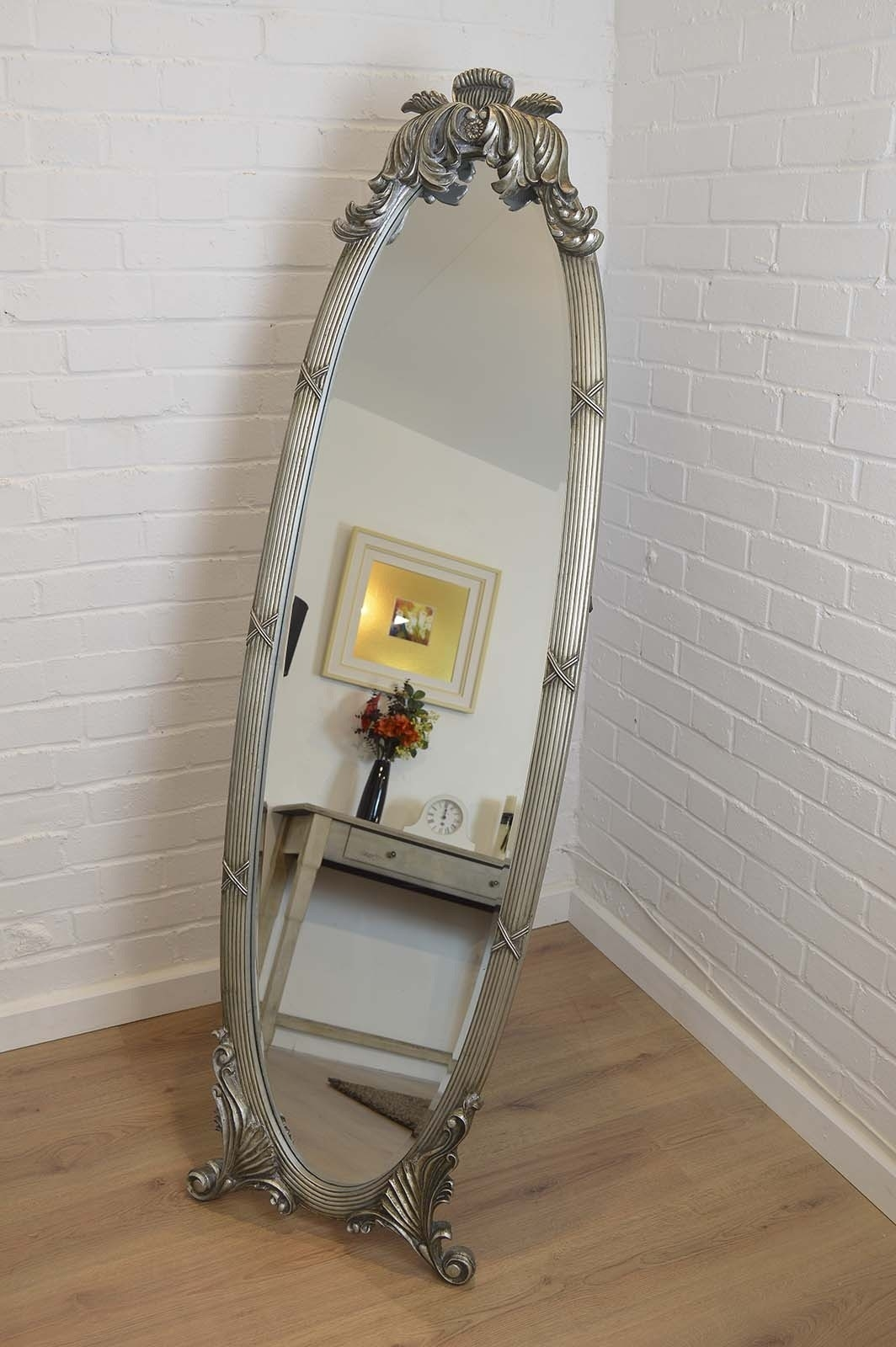 Featured Image of Free Standing Silver Mirror