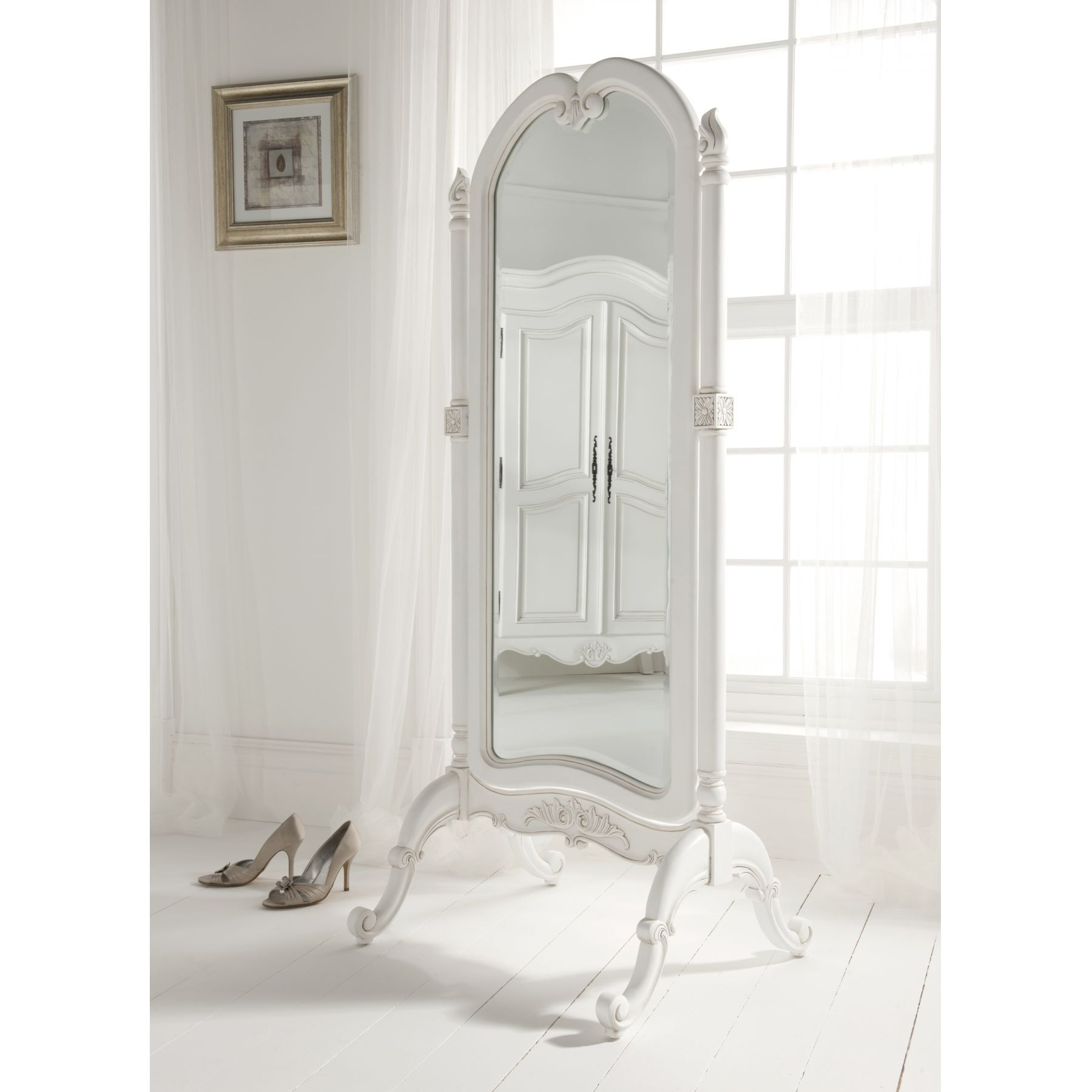 Featured Image of Free Standing Shabby Chic Mirror
