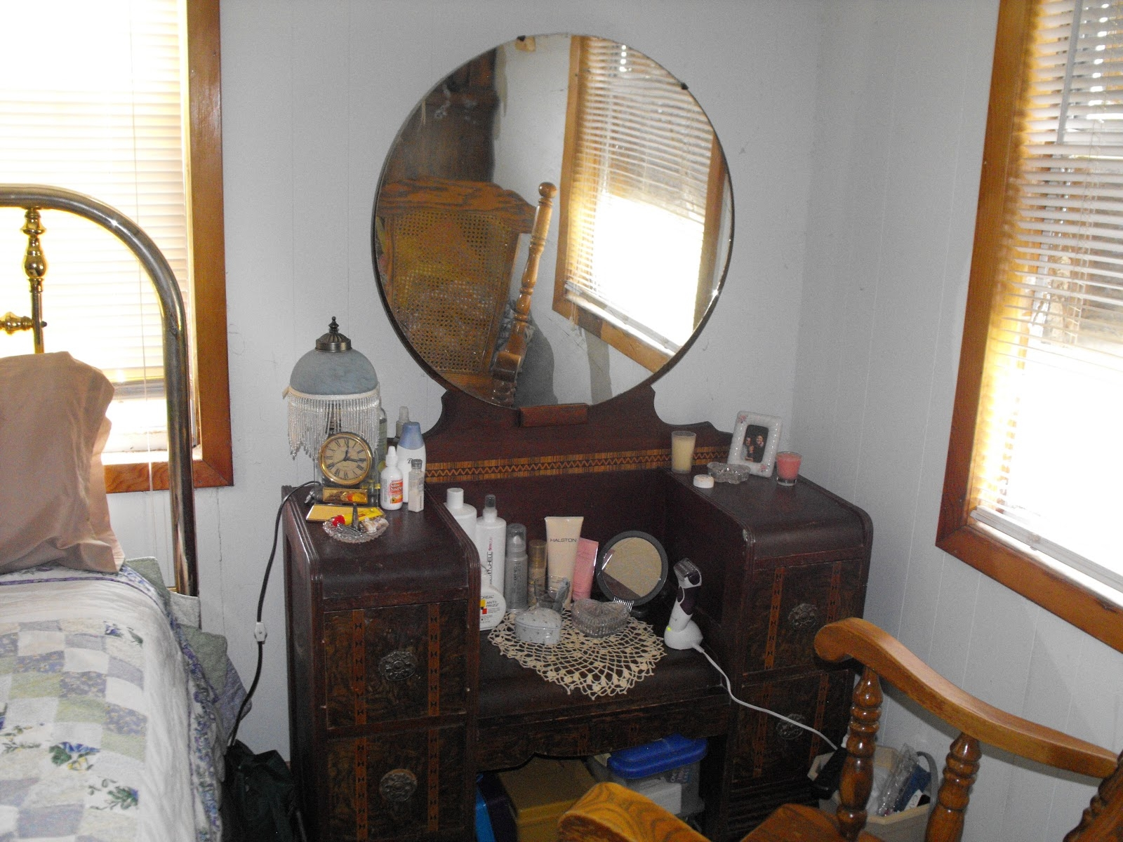 Antique Vanity Dresser With Round Mirror Mirror Design Ideas In Antique Bathroom Mirrors Sale (Image 7 of 15)