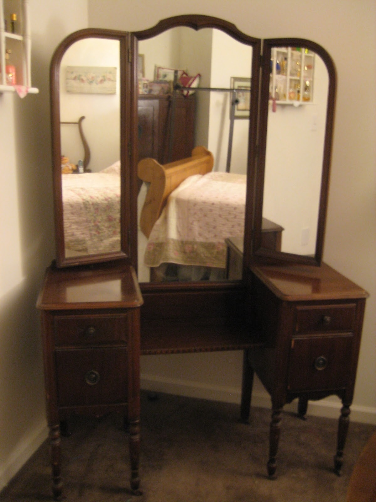 Antique Wood Vanity With Mirror Globorank With Antique Triple Mirror (Image 4 of 15)