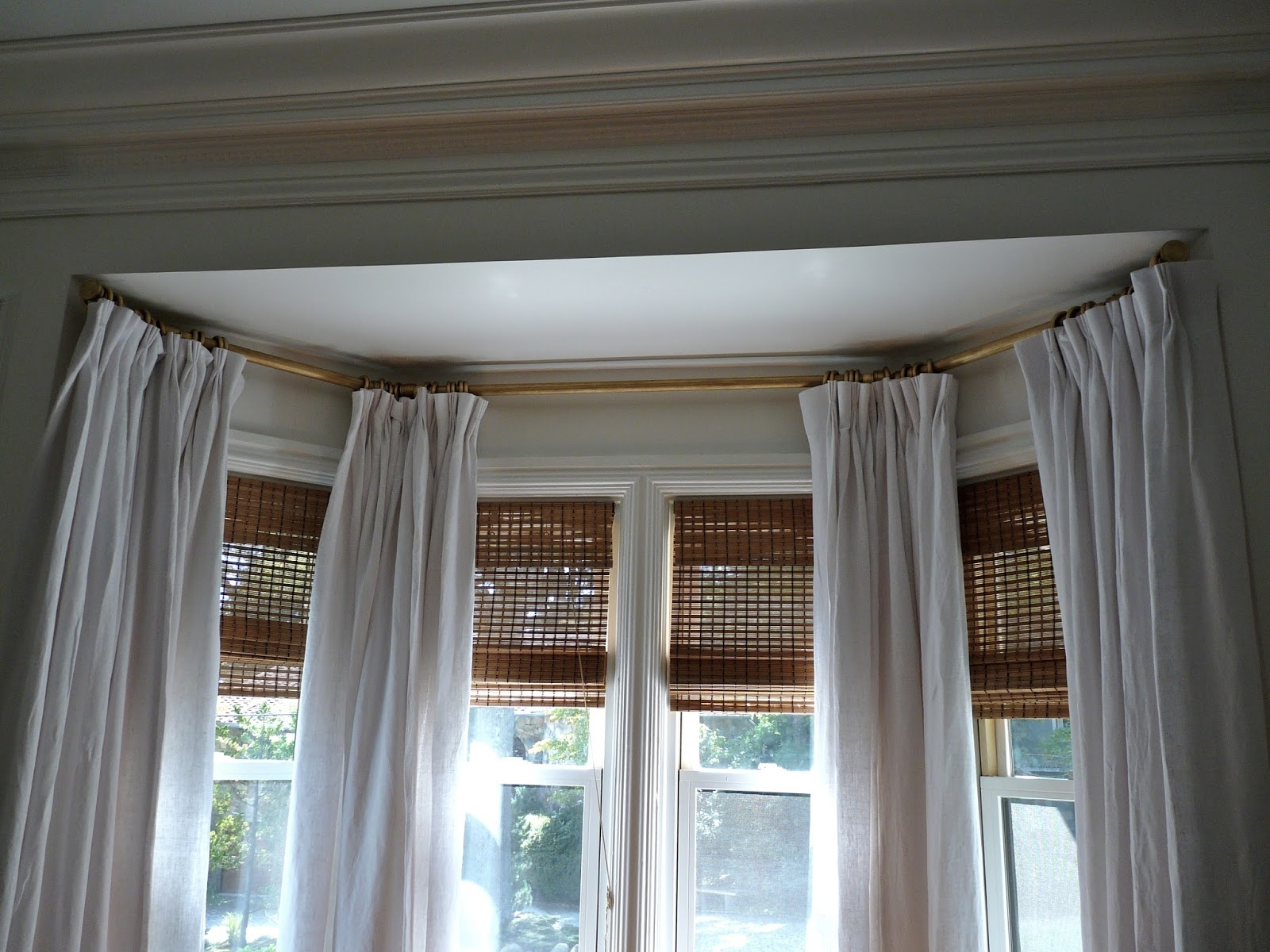 Bay Window Curtain Treatments Yahoo Image Search Results Regarding Bay Window Blinds And Curtains (Image 3 of 15)