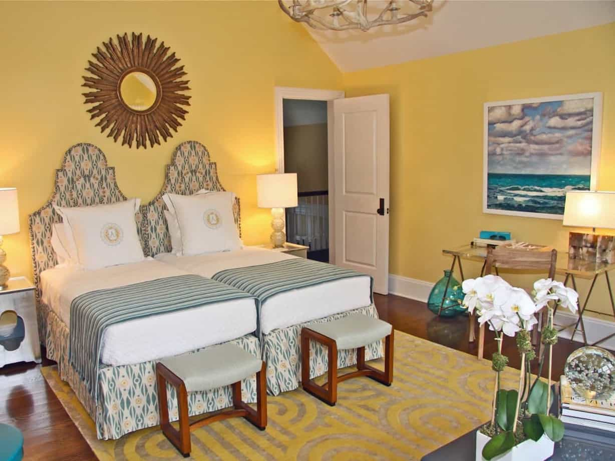 Featured Image of Beachy Yellow Bedroom With Adjacent Twin Beds
