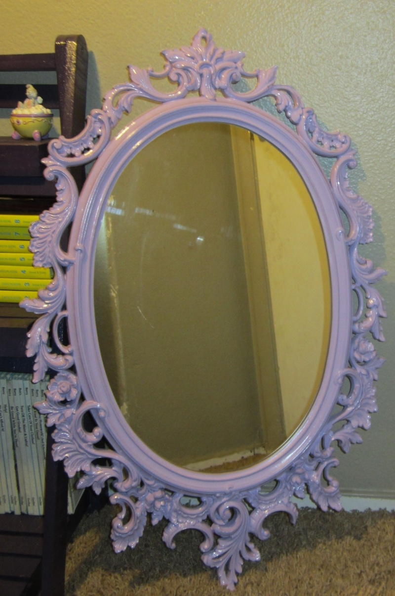 Featured Image of Oval Shabby Chic Mirror