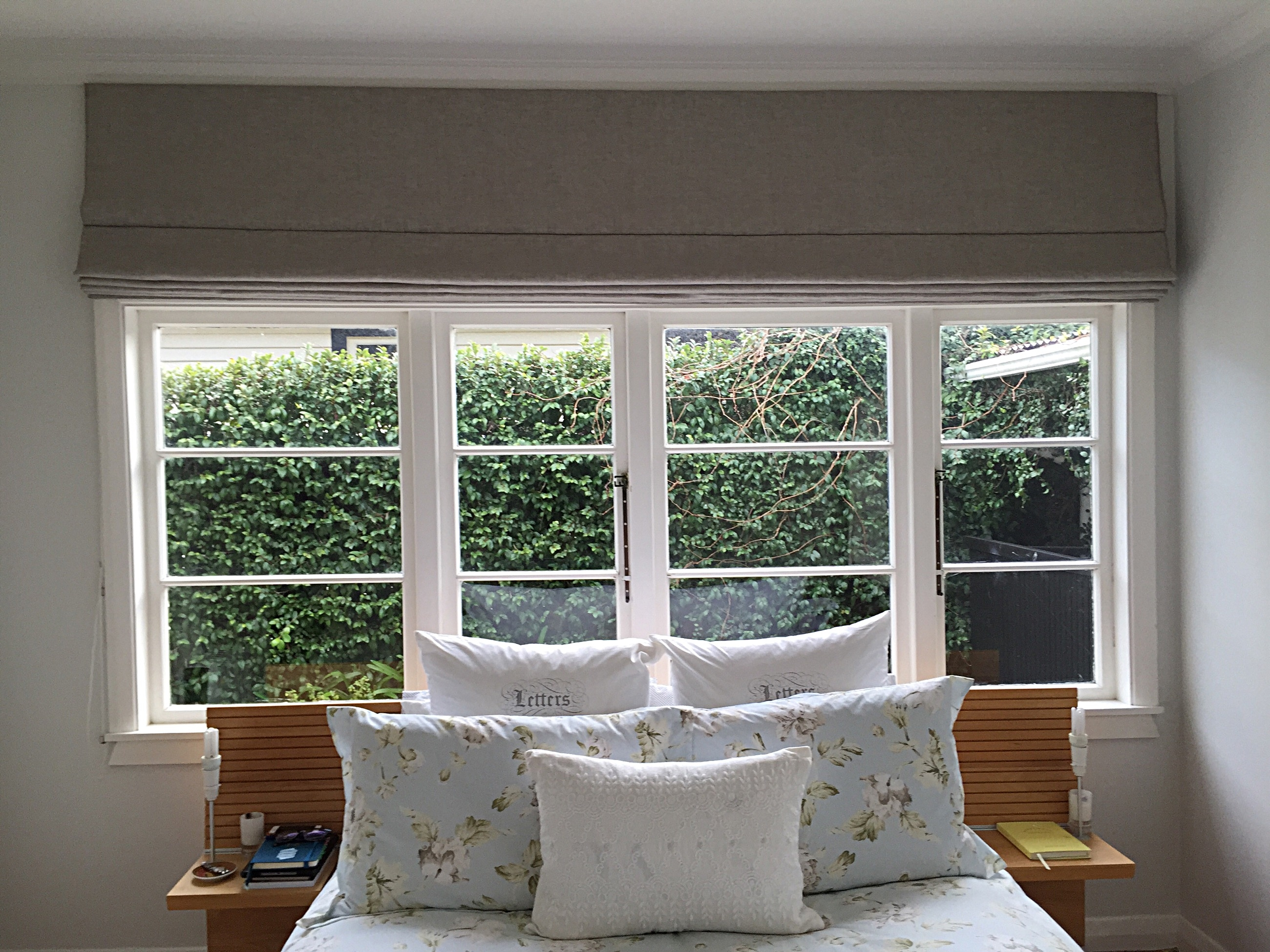 Bedroom Blinds Nz Bedroom Design With Linen Roller Blinds (Image 5 of 15)