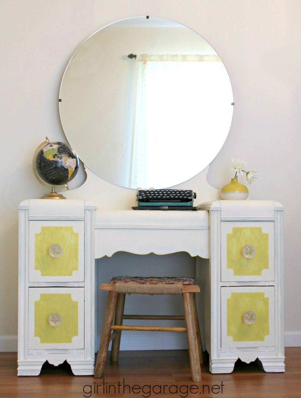 Bedroom Furniture Magnifying Mirrors Makeup Organization Intended For Illuminated Dressing Table Mirrors (Image 2 of 15)