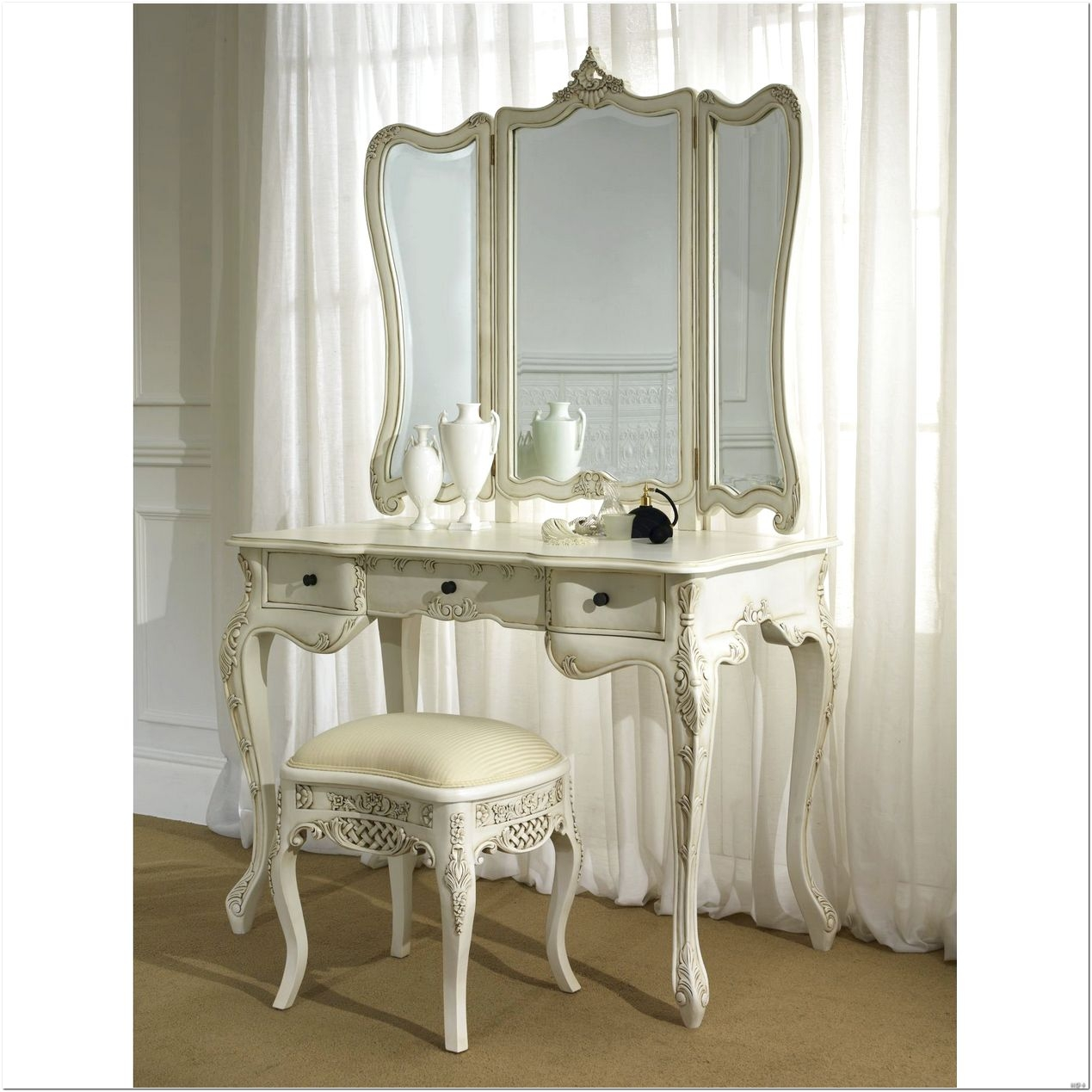 Bedroom Furniture Magnifying Mirrors Makeup Organization Throughout Illuminated Dressing Table Mirrors (Image 3 of 15)