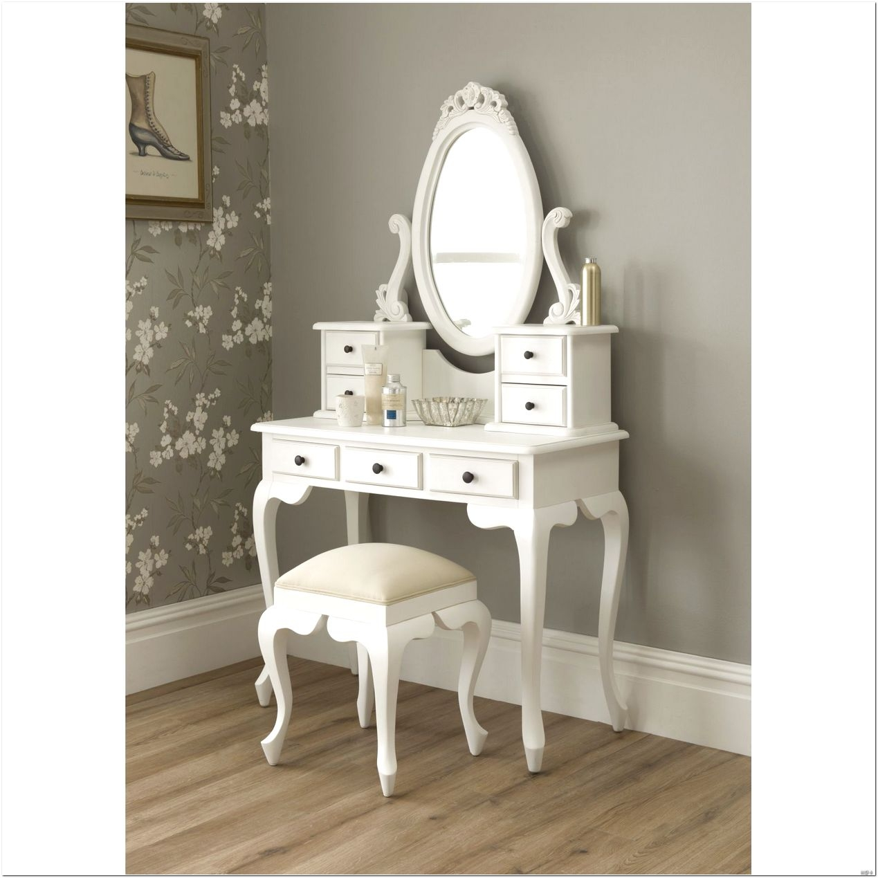 Bedroom Furniture Magnifying Mirrors Makeup Organization With Illuminated Dressing Table Mirrors (Image 4 of 15)