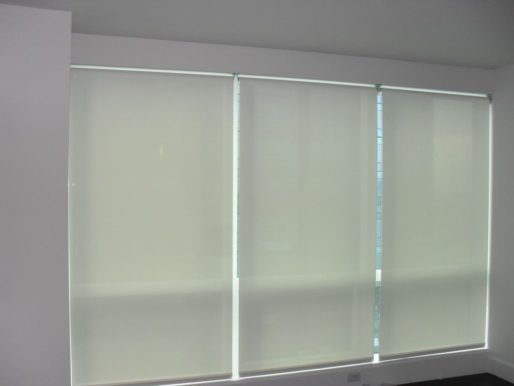 Best Roller Window Shades Decorative Pertaining To Reverse Roller Blinds (Image 3 of 15)