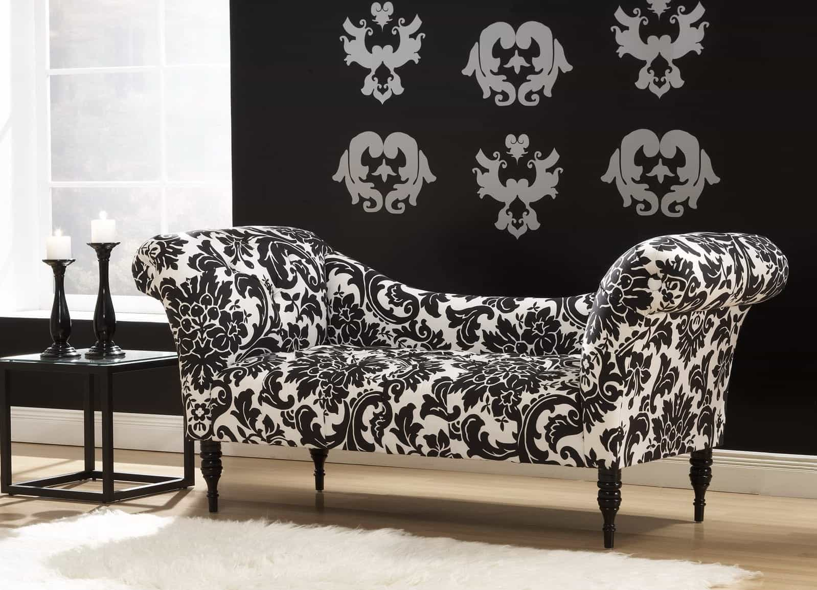 Featured Image of Black And White Modern Floral Patterned Sofa