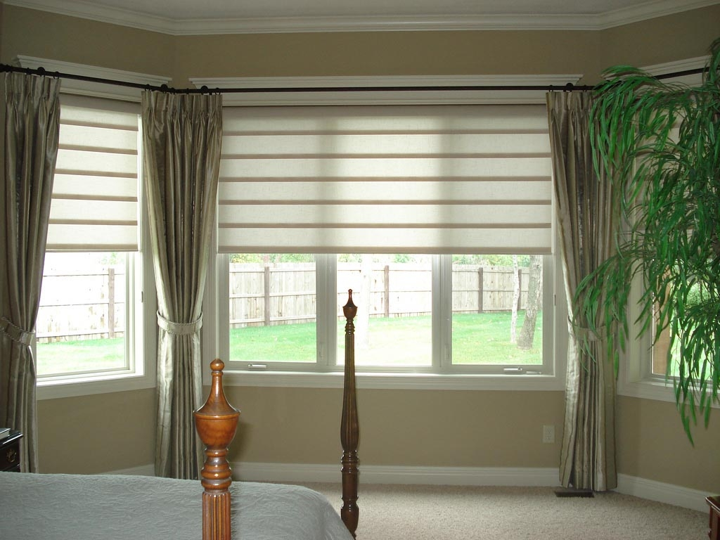 Blinds For Bay Windows Ideas Window Blinds Pinterest Cats In Bay Window Blinds And Curtains (Image 5 of 15)