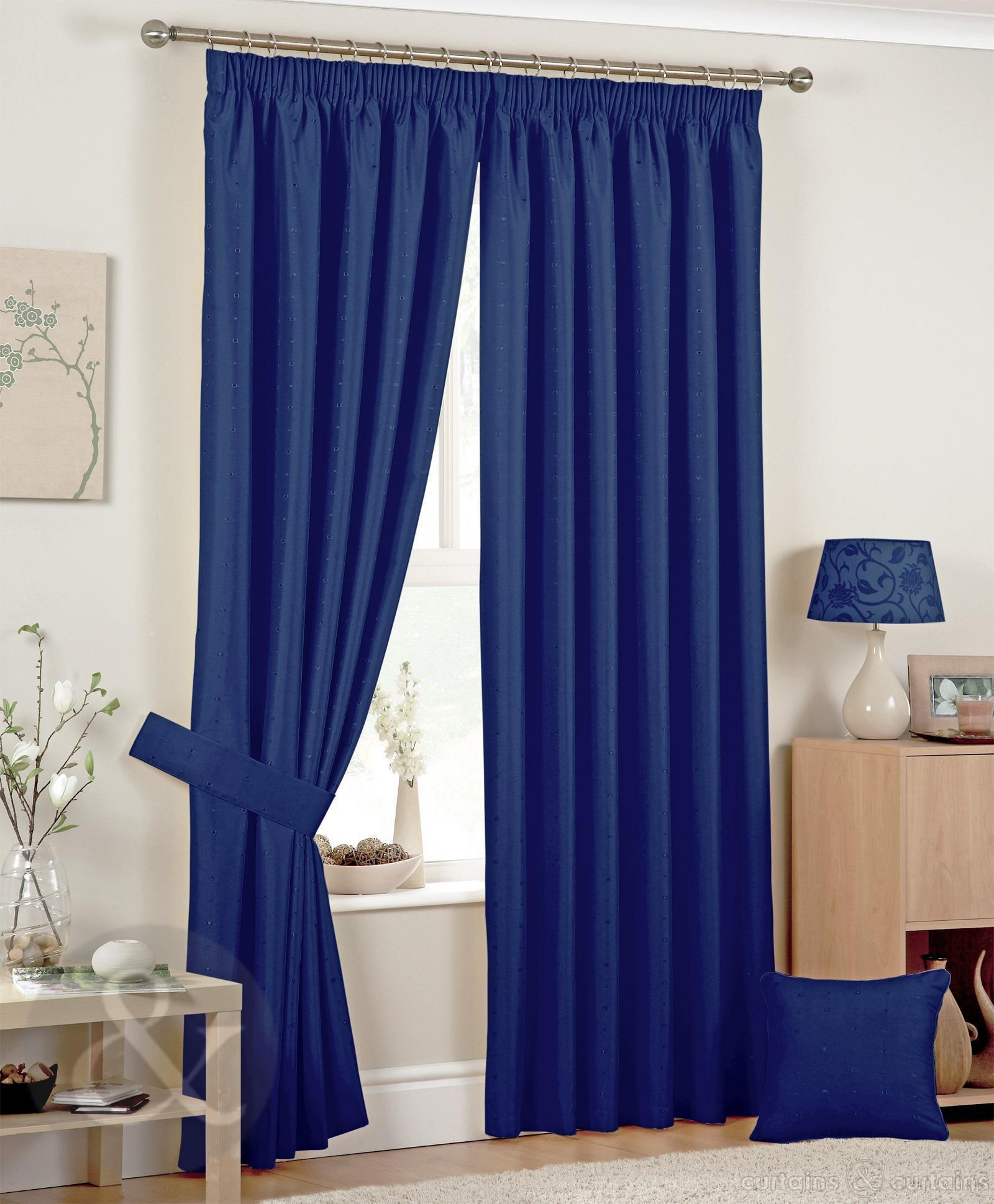 Featured Image of Blue Bedroom Curtains