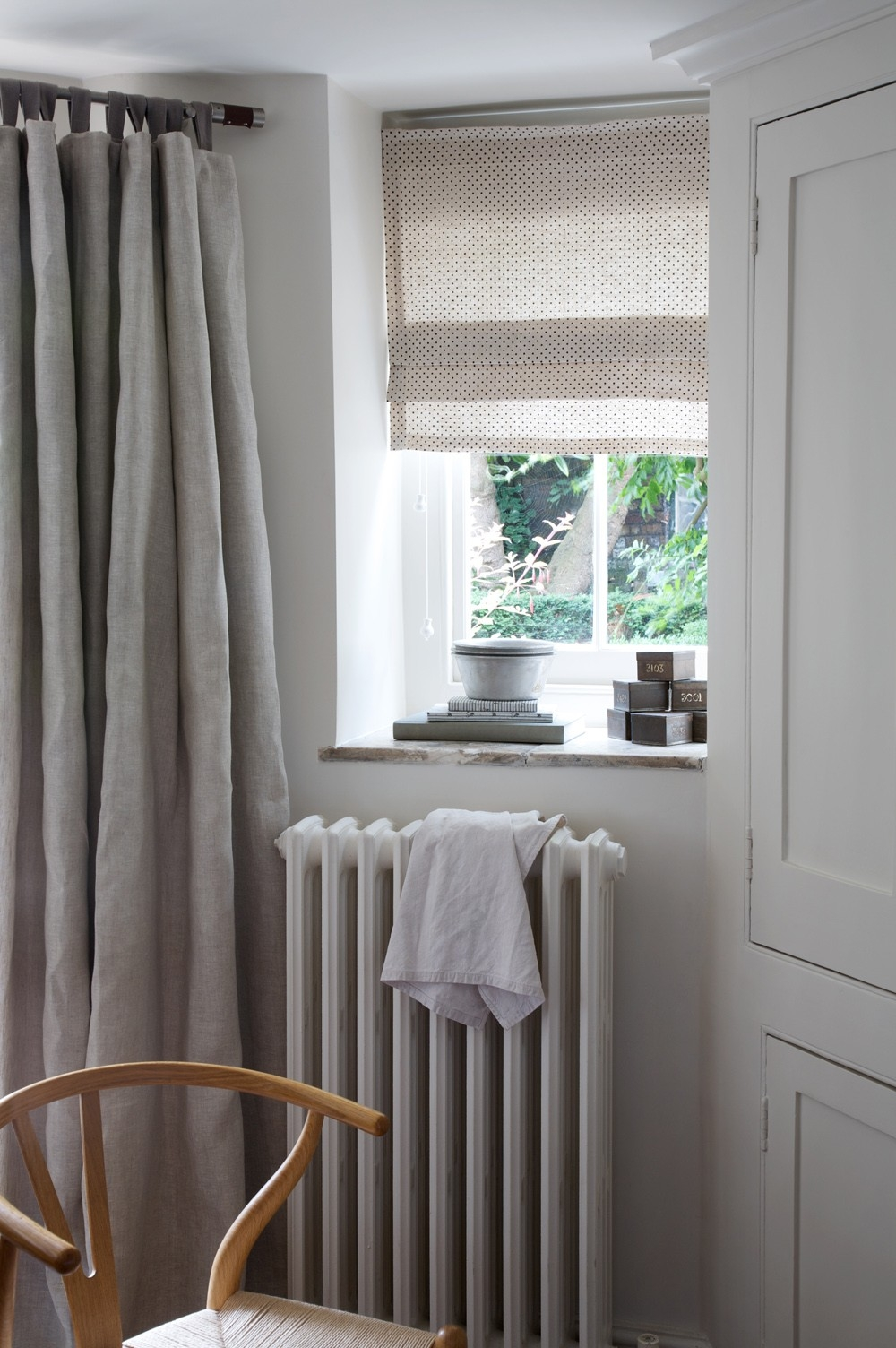 Cabbages Roses Plain Beige Fabric Curtains Curtains Throughout Plain Linen Curtains (View 7 of 15)
