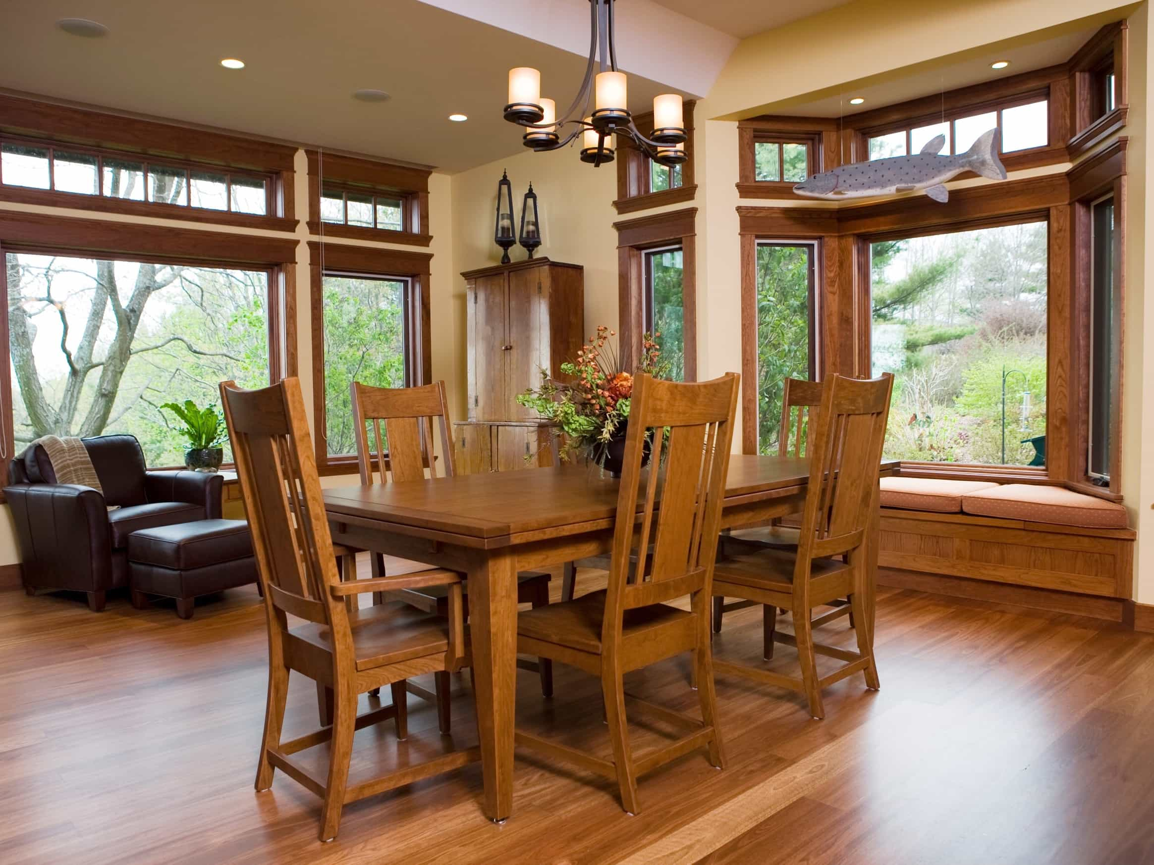 Featured Image of Casual Mission Style Dining Room With The Custom Woodwork Craftsman Design