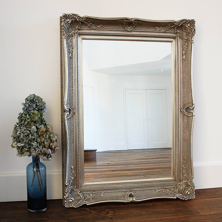 Featured Image of Champagne Silver Mirror