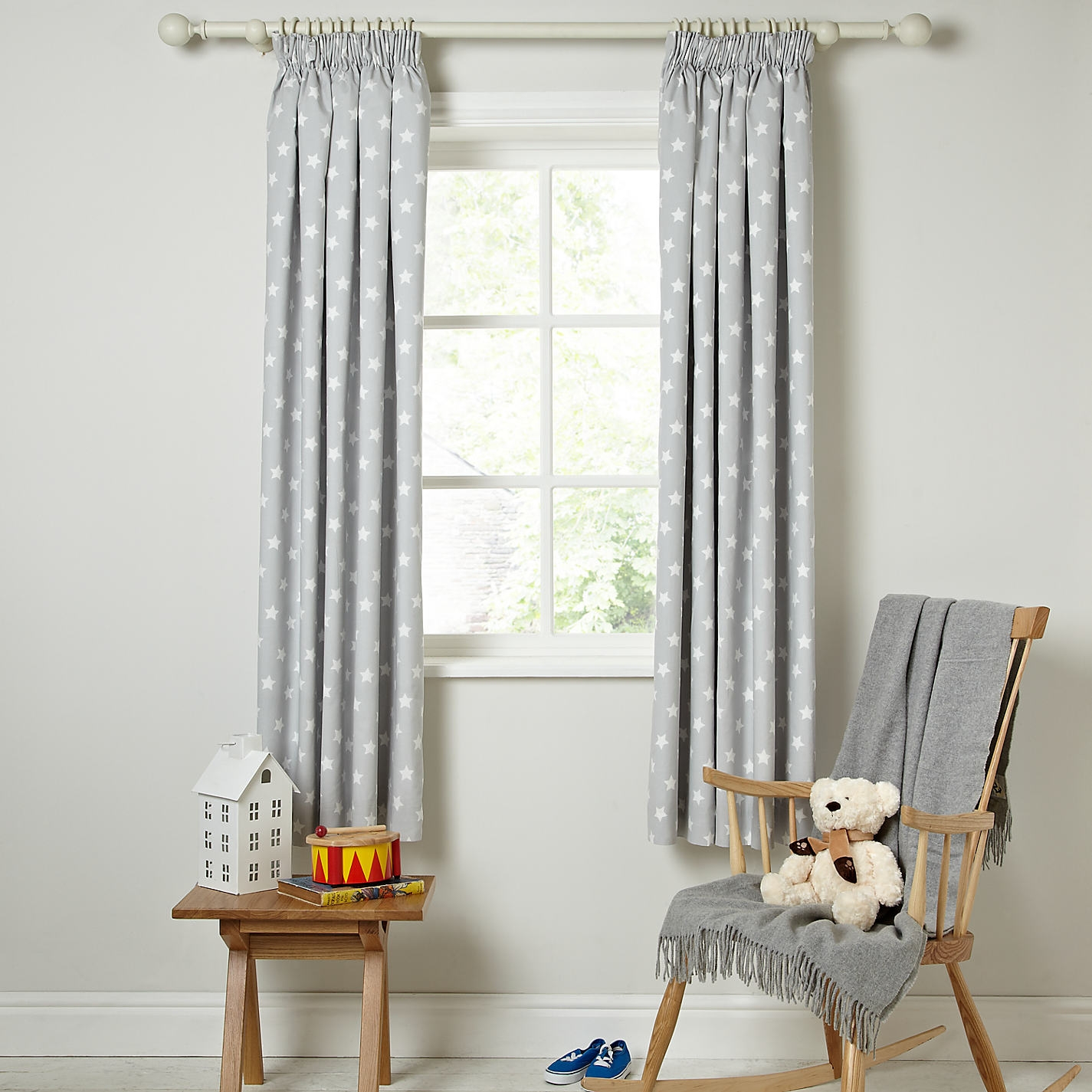 Childrens Blackout Curtains Stars Best Curtains 2017 With White Curtains With Blackout Lining (Image 2 of 15)