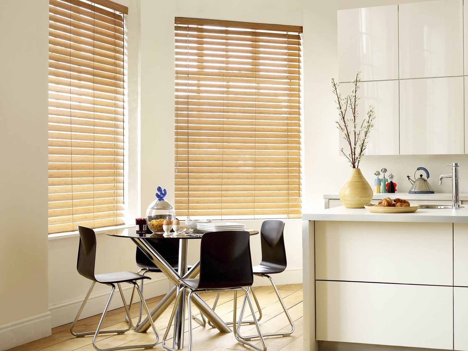 Choosing The Right Kitchen Window Treatments Interior Design Throughout Kitchen Curtains And Blinds (Image 4 of 15)