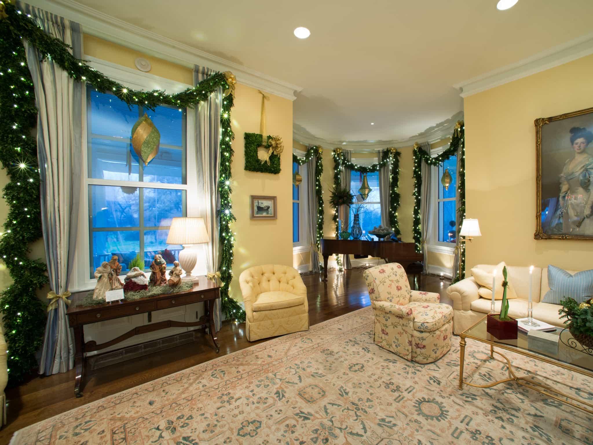 Christmas Valances Window Treatments (Image 5 of 20)