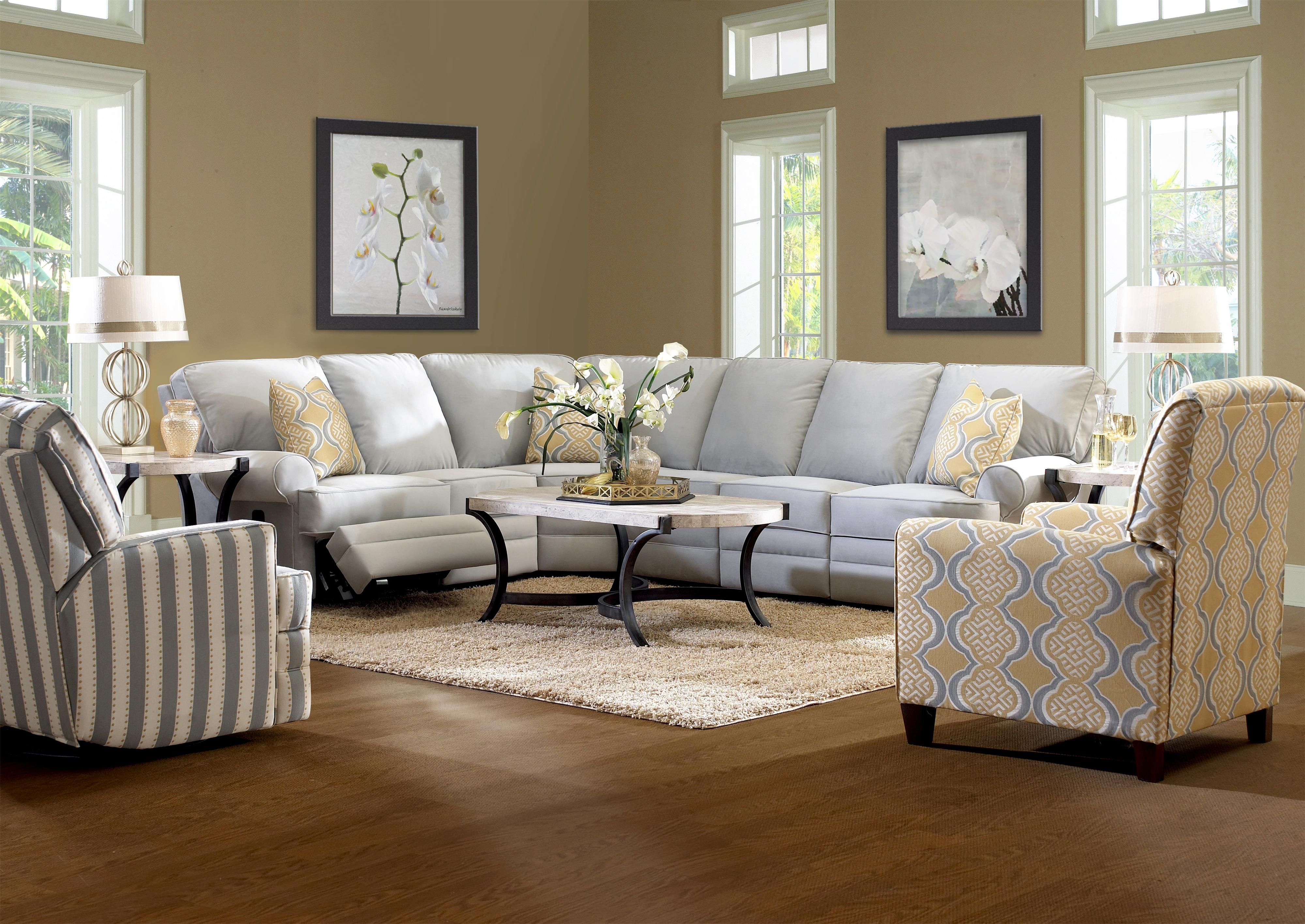 Featured Image of Classic Sectional Sofas