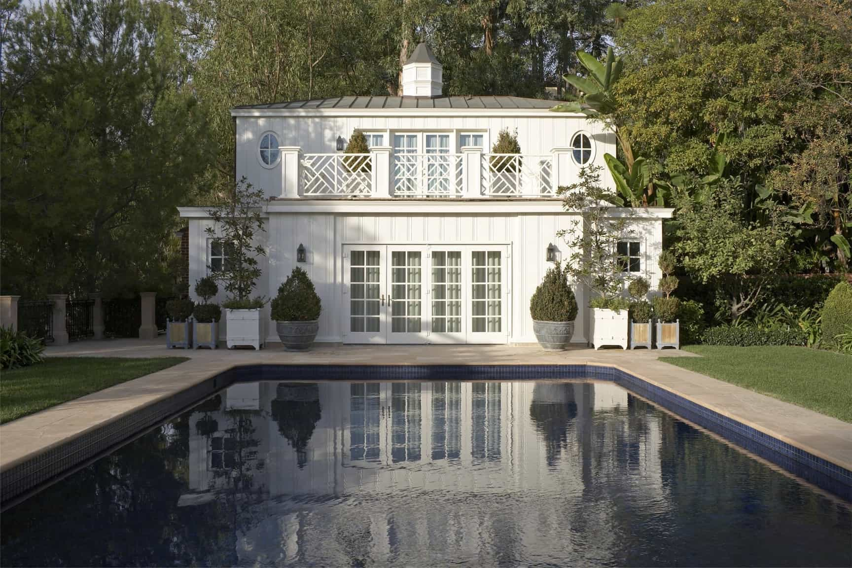 Featured Image of Classic White Pool Beautiful Focal Point For The Estate