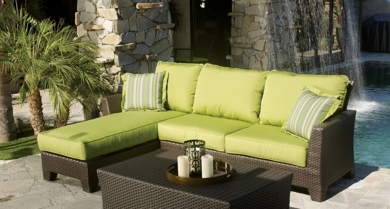 Featured Image of Closeout Sectional Sofas