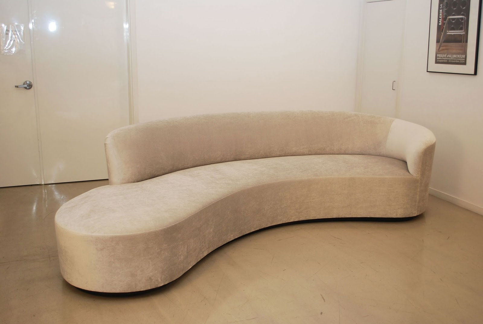 Contemporary Curved Sofa Hereo Sofa Inside Contemporary Curved Sofas (Image 2 of 15)