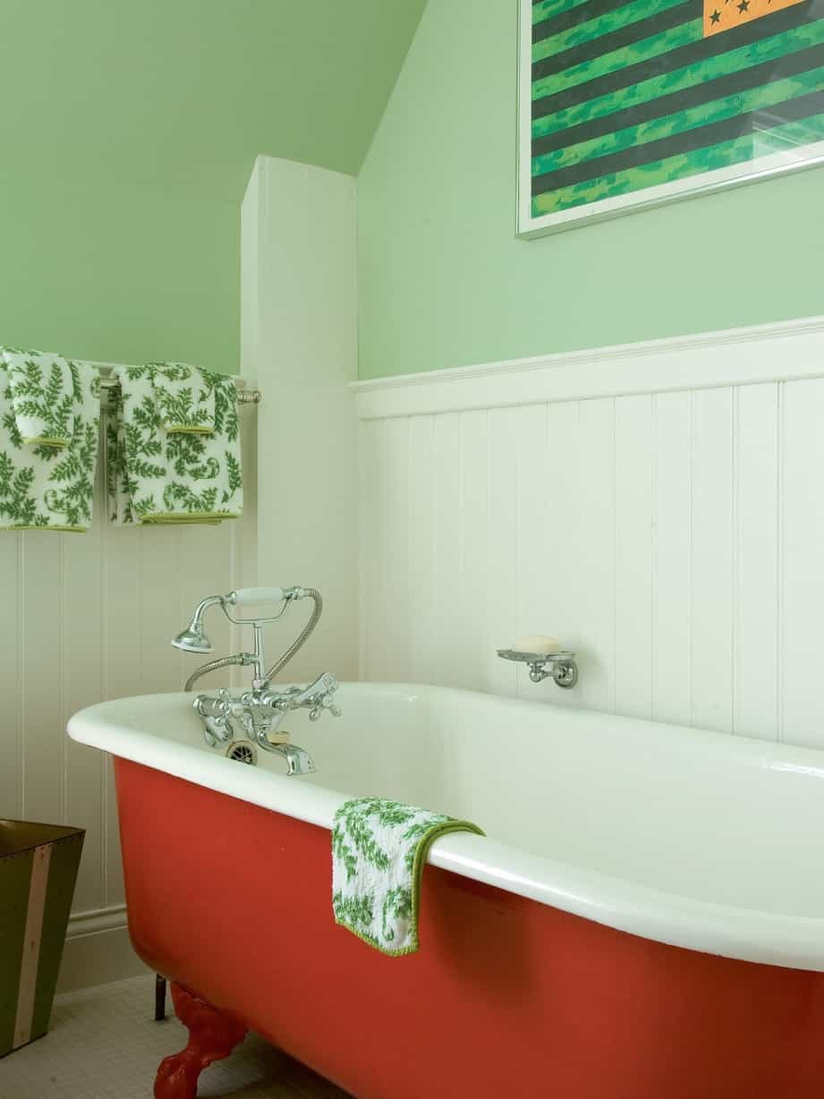 Featured Image of Cottage Red Claw Foot Tub