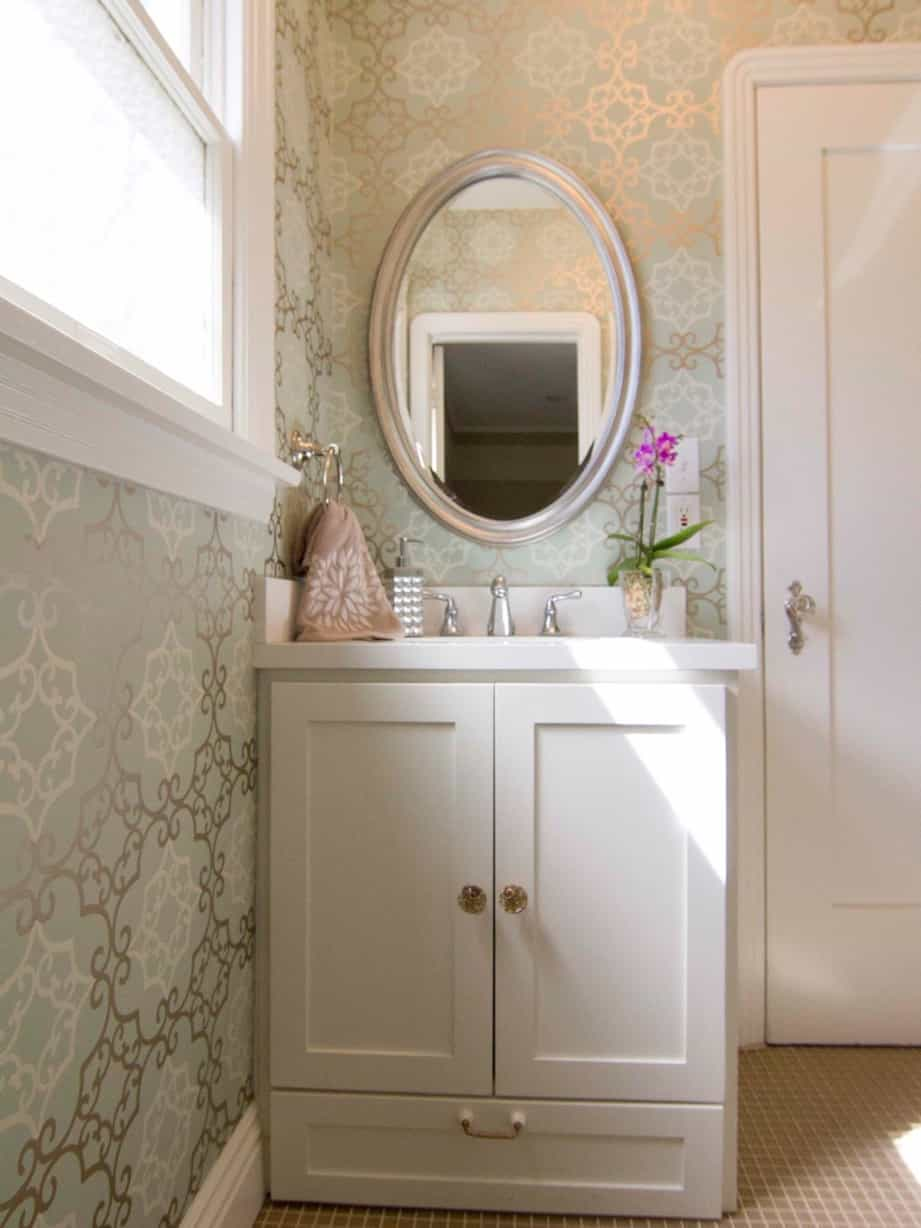 Featured Image of Cottage Silver Framed Oval Mirror Vanity With Built In Storage