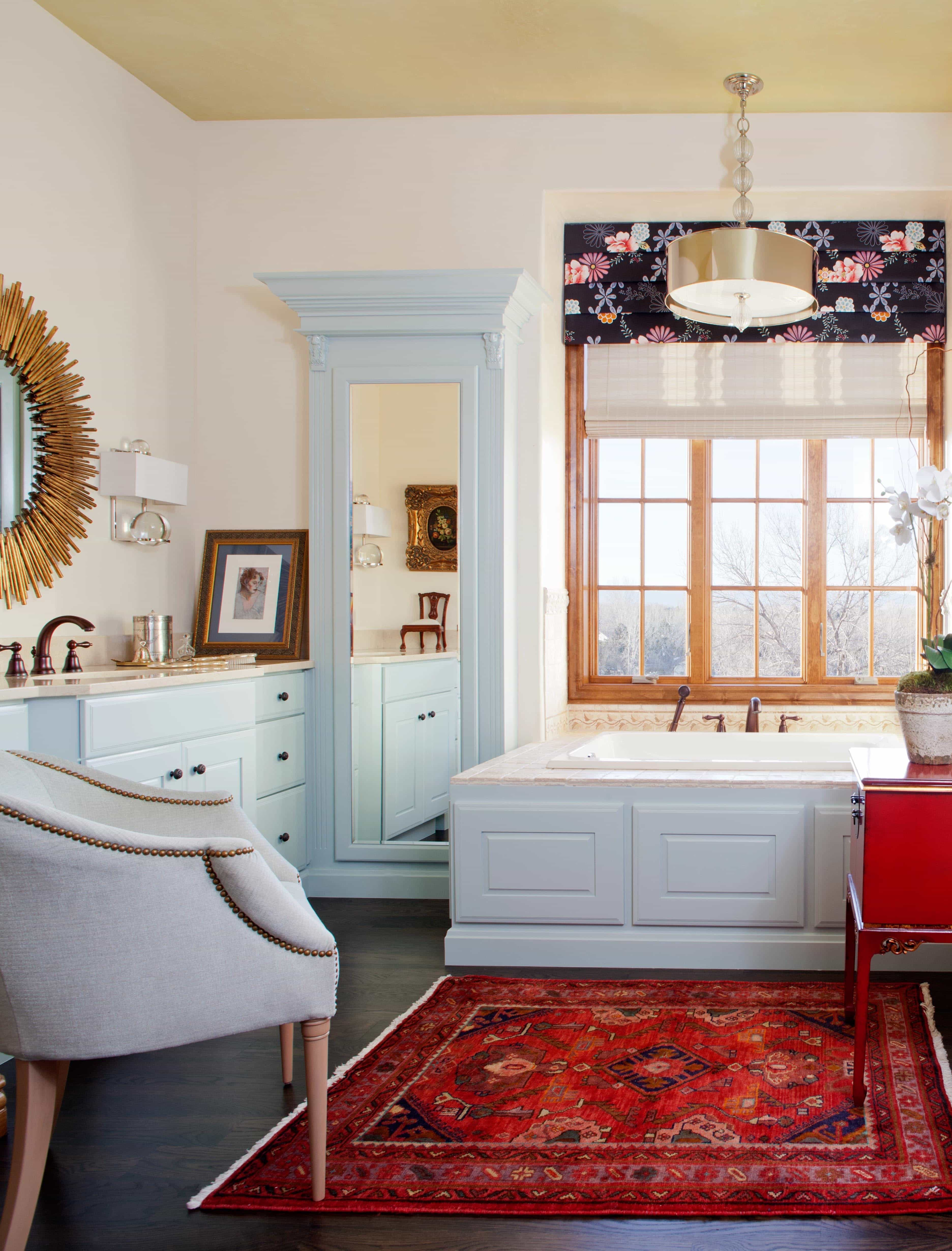 Country Rug Design For Traditional Bathroom Interior Design (Photo 10 of 11)