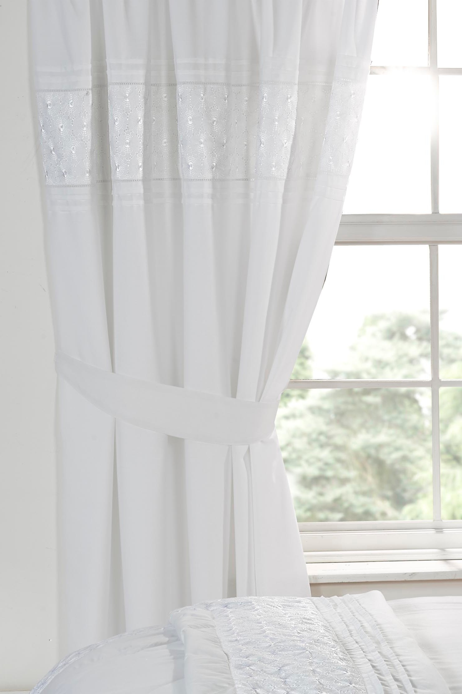 Curtain Luxury White Curtains With Regard To Luxury White Curtains (Image 1 of 15)