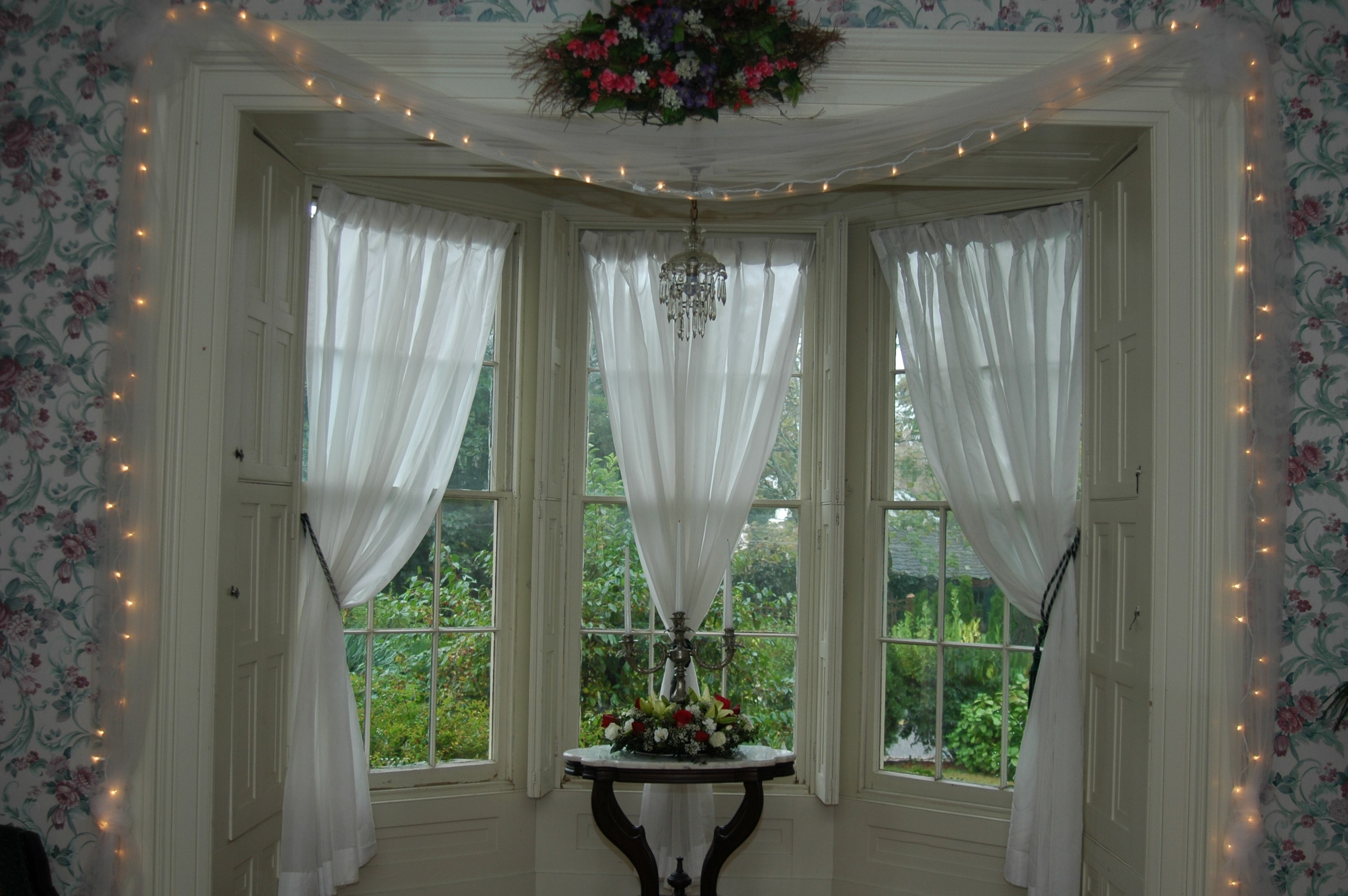 Curtains For Bay Windows Pertaining To Bay Windows Curtains (Image 9 of 15)