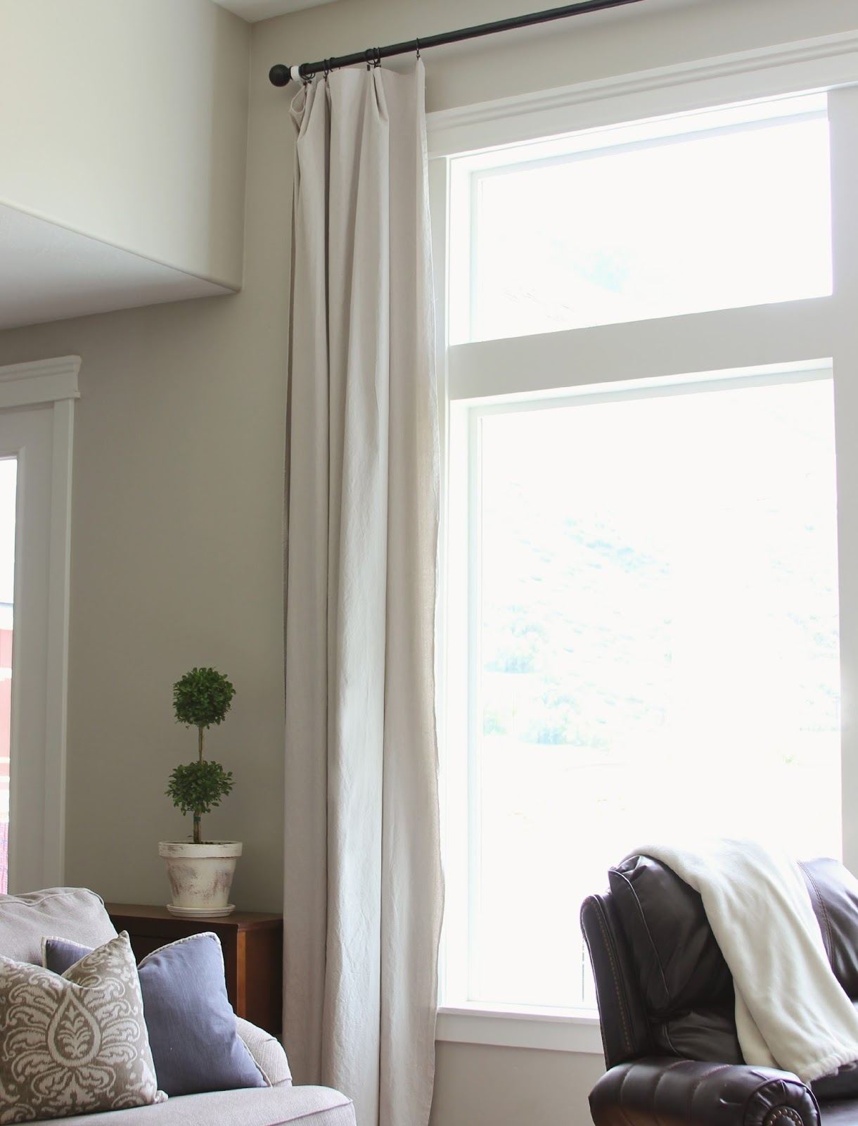 Curtains For Long Big Windows 320 Sycamore With Long Drop Curtains (Image 2 of 15)