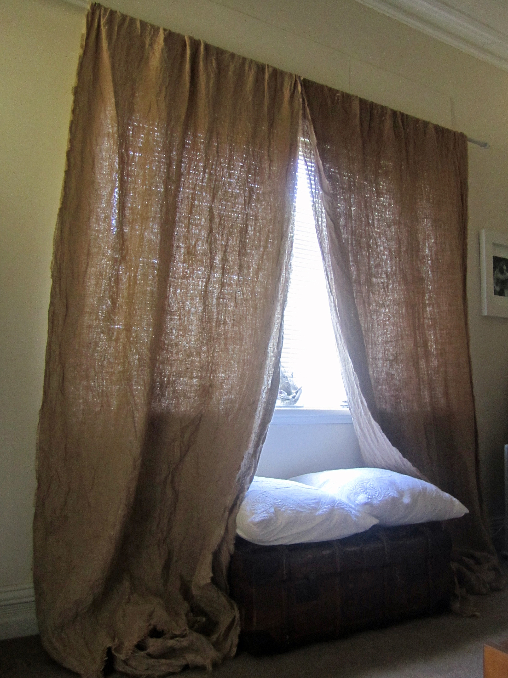 Featured Image of Hessian Curtains