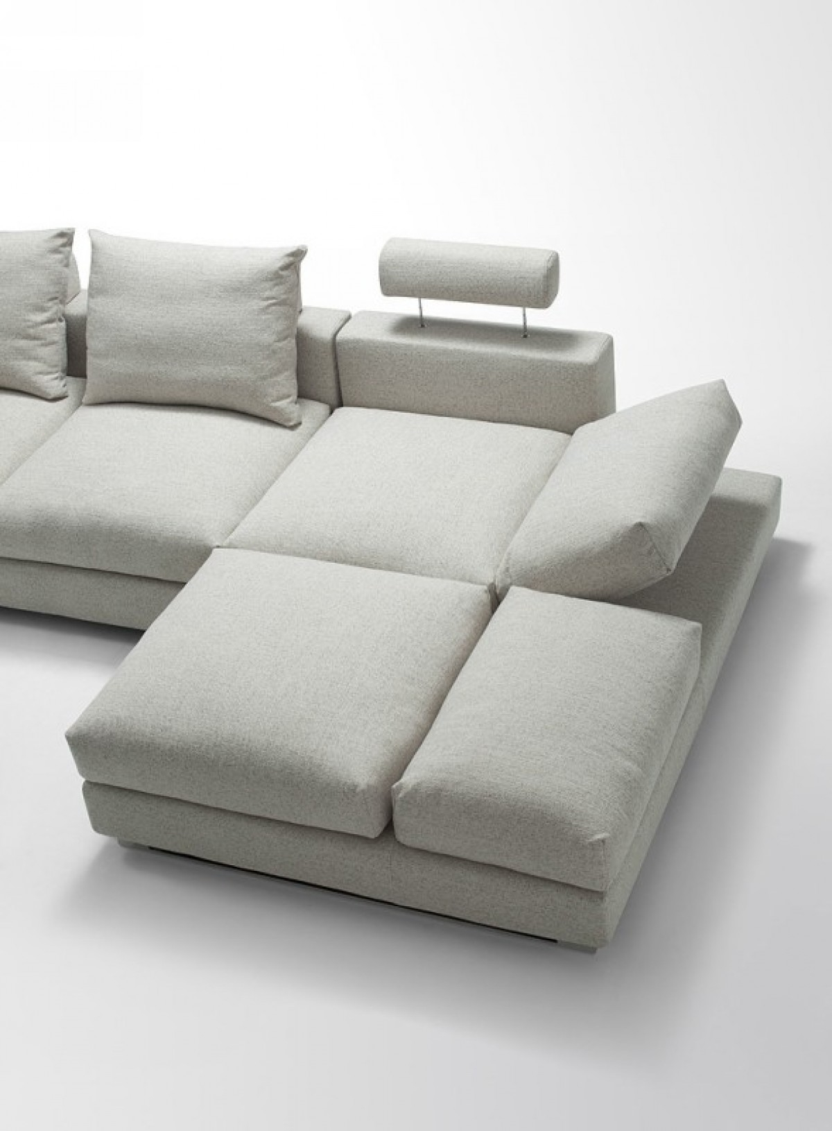 Divani Casa Vasto Modern Fabric Sectional Sofa With Down Feather With Down Feather Sectional Sofa (Image 5 of 15)
