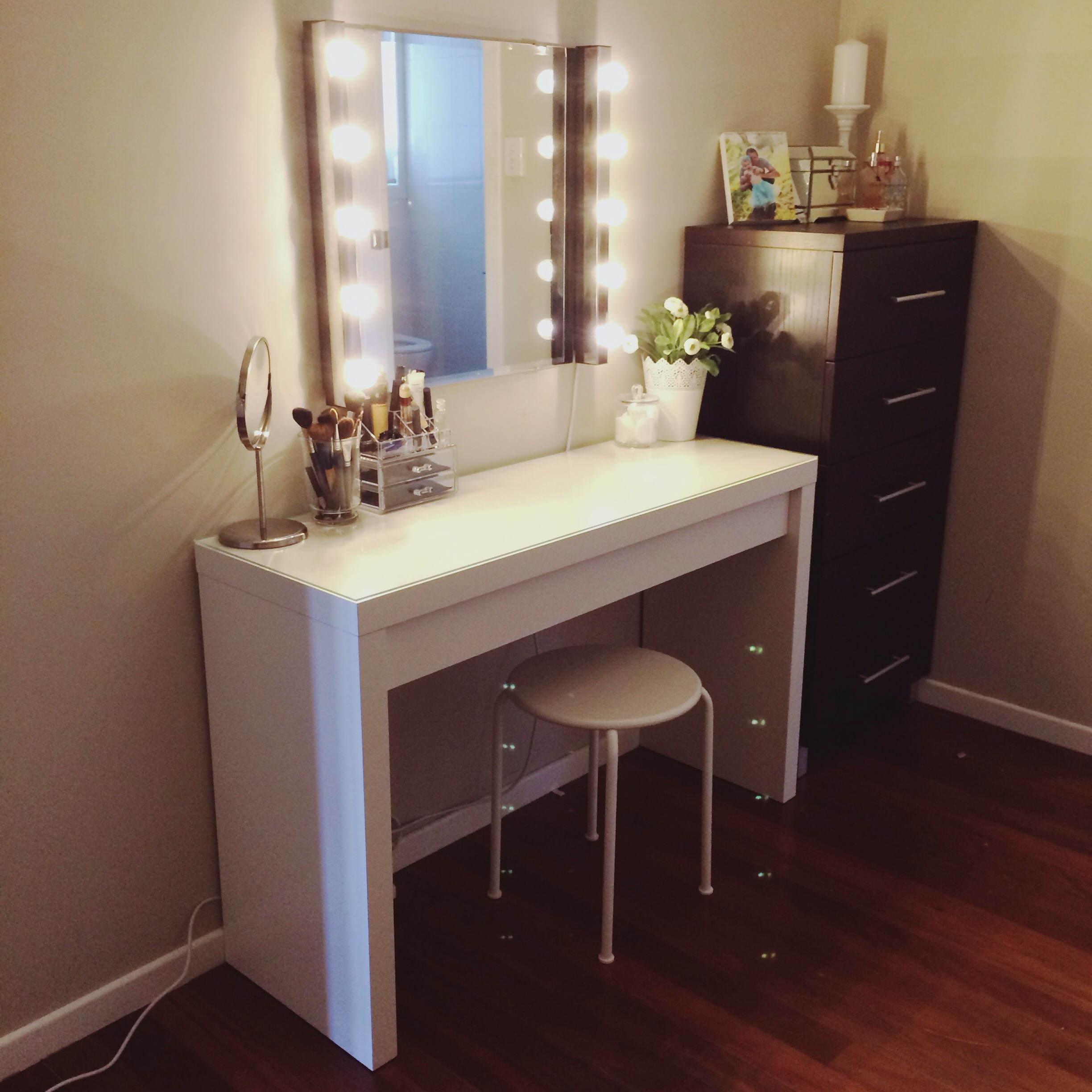 Diy Vanity California Cupcake Pinteres Pertaining To Illuminated Dressing Table Mirrors (Image 9 of 15)
