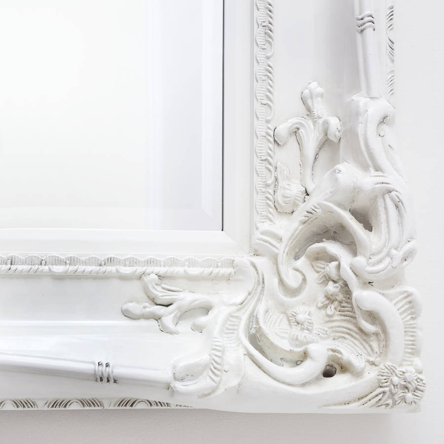 Featured Image of Elaborate Mirrors