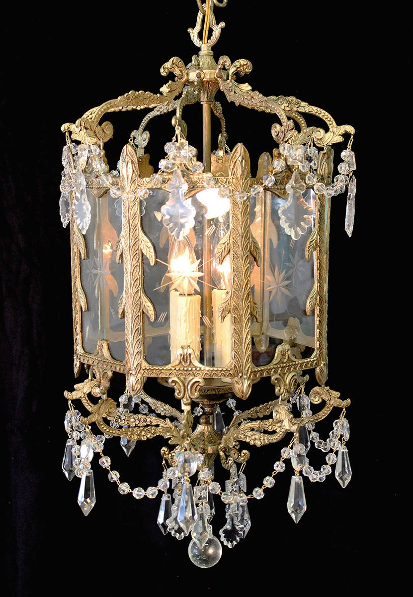 Elegant 15 X 25 Vintage Indoor Brass Lantern Crystal Accents Throughout Indoor Lantern Chandelier (Image 5 of 15)