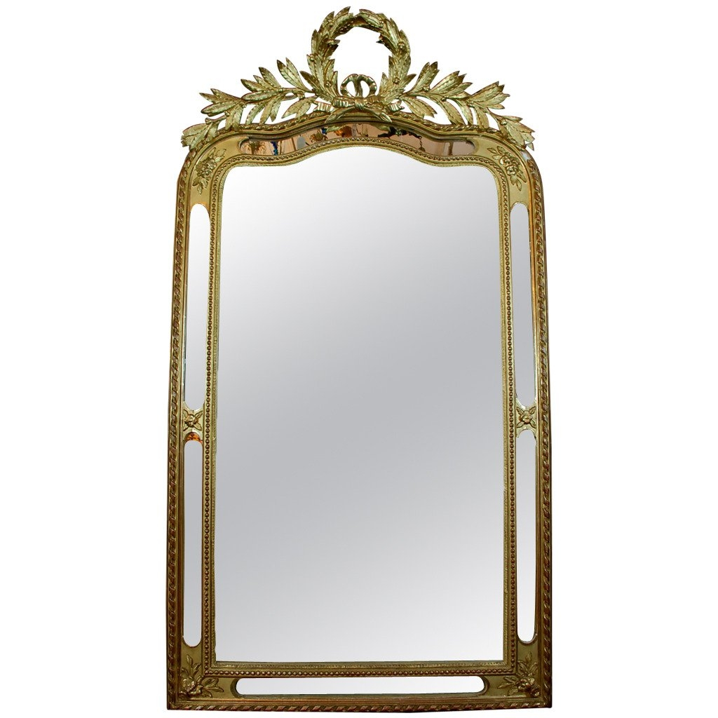 Elegant French 19th Century Carved Gilt Wood Wreath Top And Pertaining To French Gilt Mirror (Image 8 of 15)