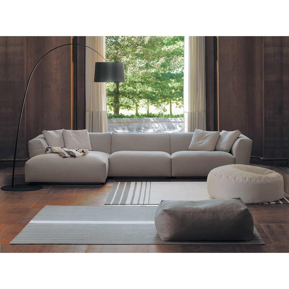 Featured Image of Elliott Sofa
