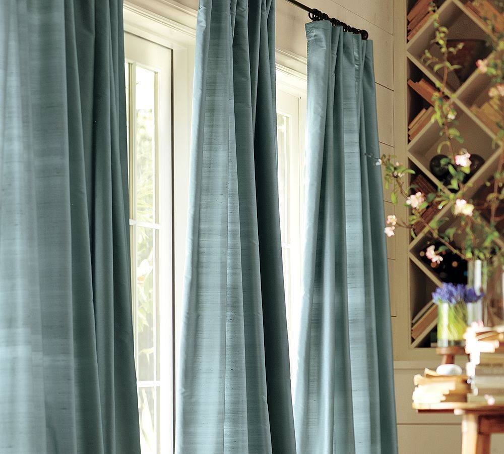 Featured Image of Extra Long Blackout Curtains
