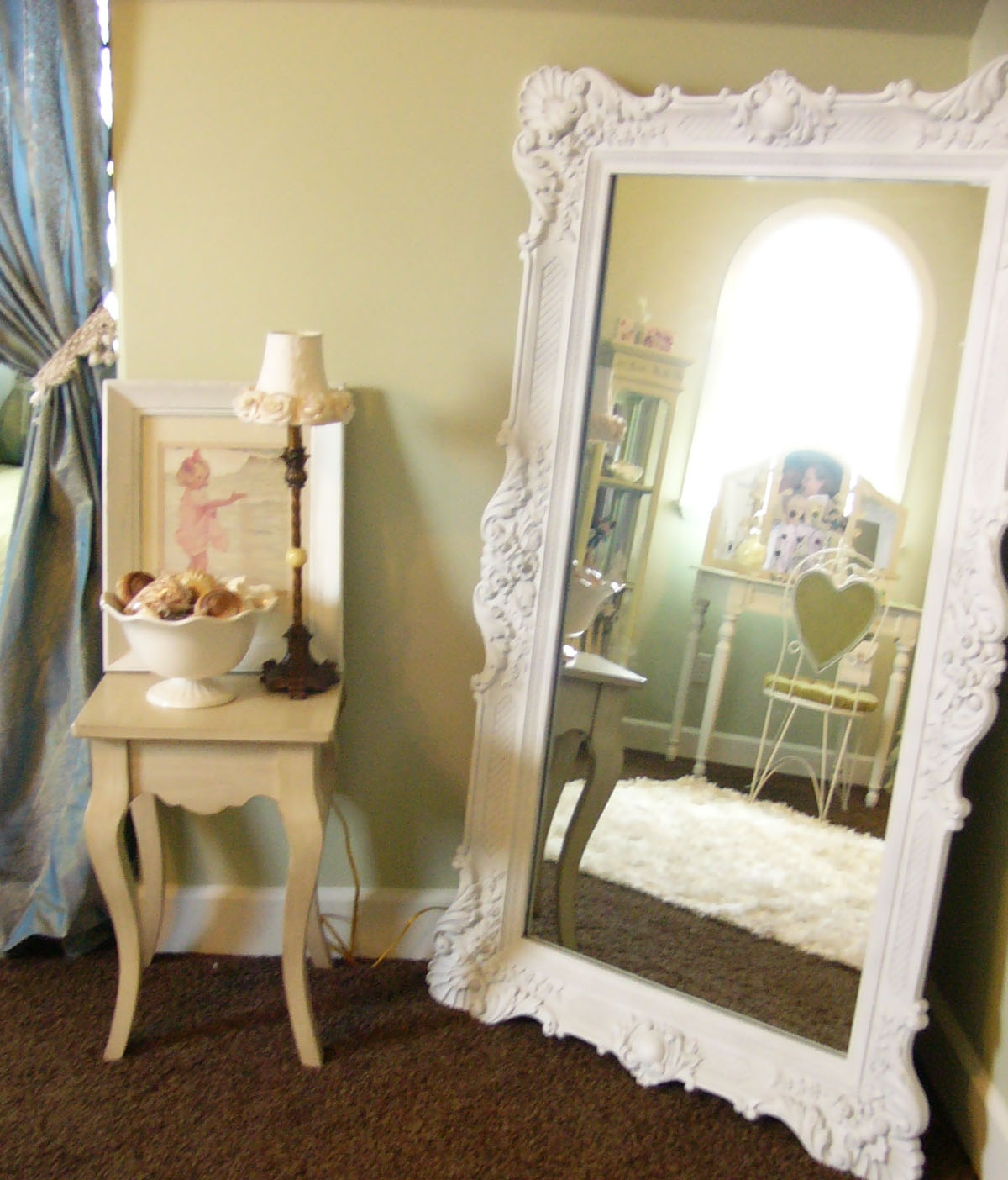 Flooring Contemporary Whiter Mirrorswhite Framed Mirror With In Long Free Standing Mirror (Image 6 of 15)