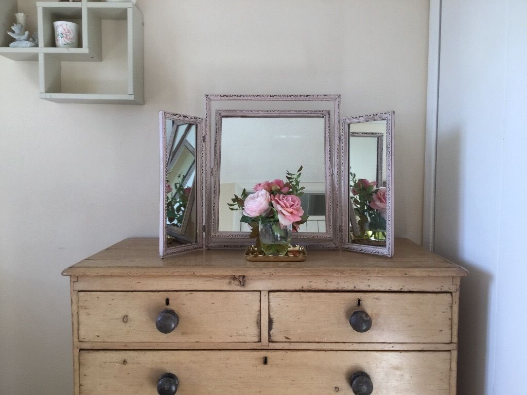 Free Standing Dressing Table Mirror With Drawers Image Gallery Intended For Free Standing Dressing Table Mirror (Image 8 of 15)