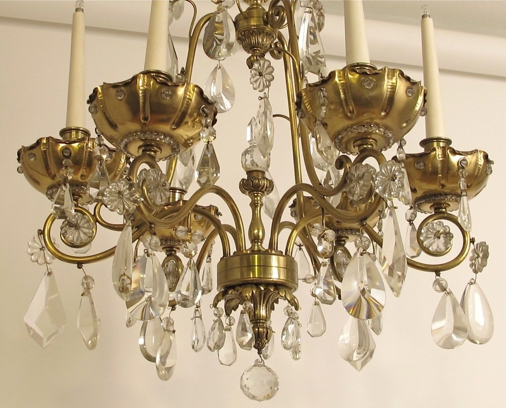 Featured Image of Brass And Crystal Chandelier