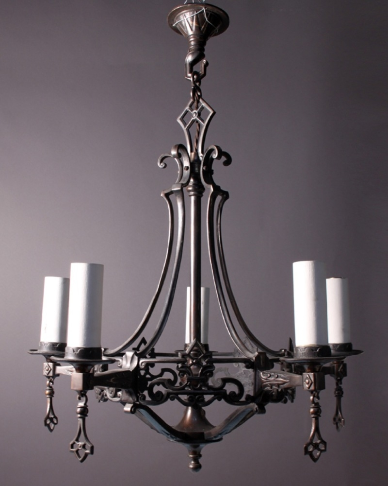 Featured Image of Antique Chandeliers
