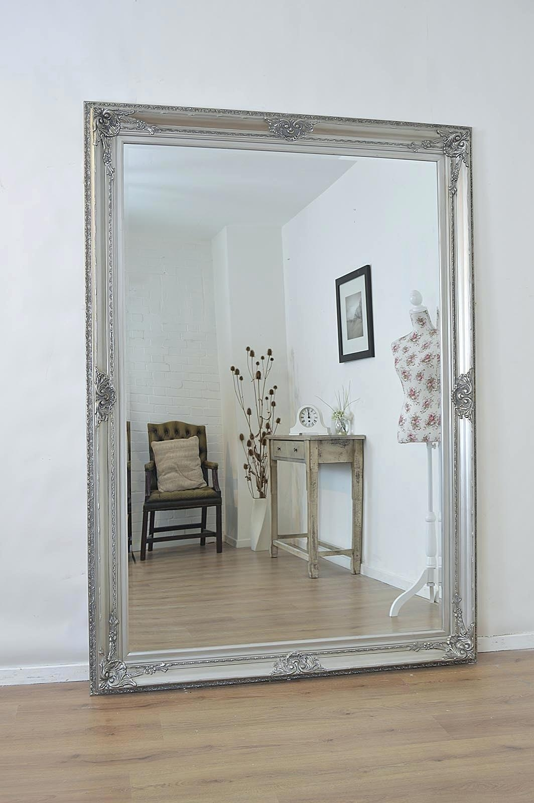 Featured Image of Funky Wall Mirrors