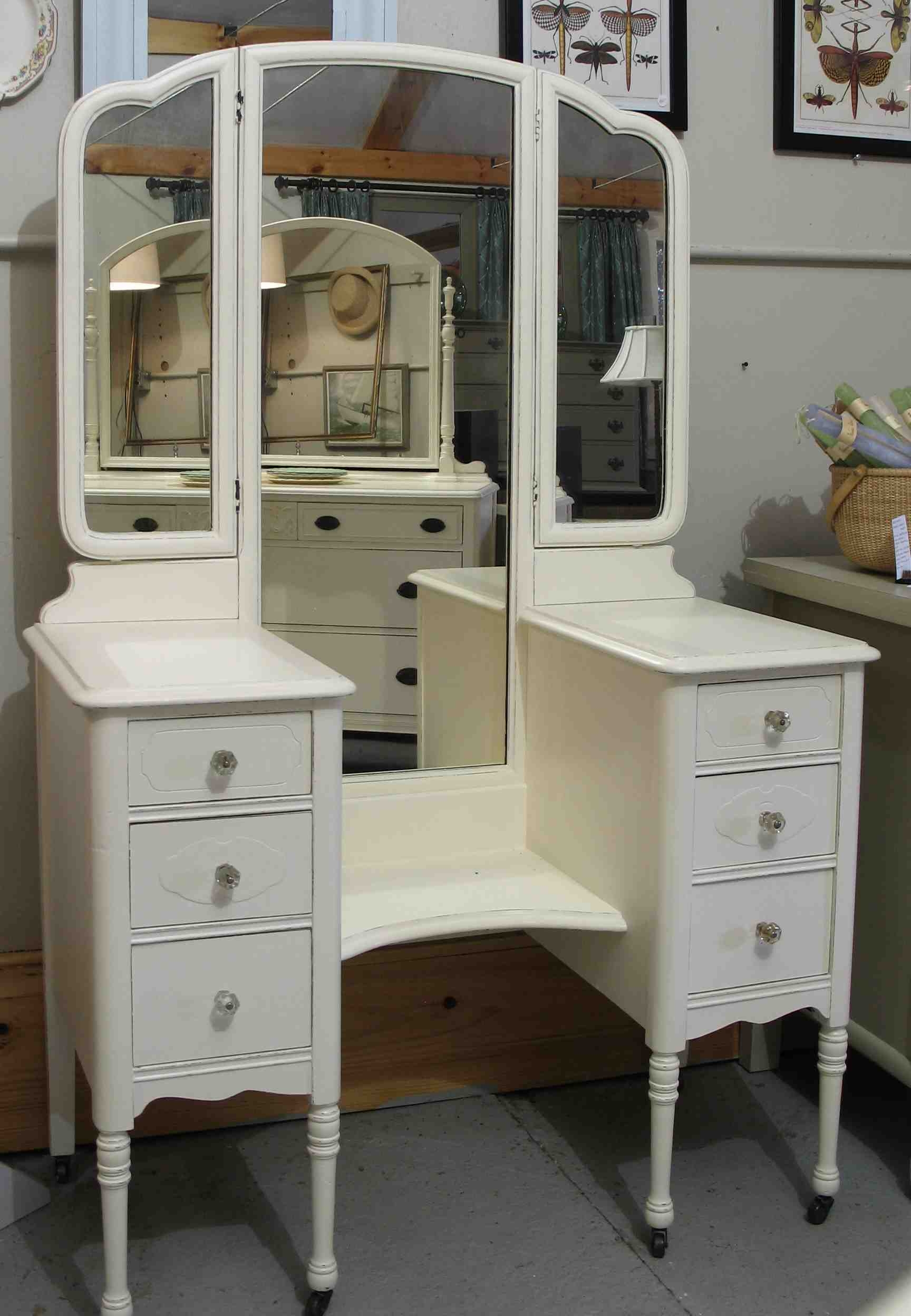 Furniture Old And Vintage Wooden Makeup Vanity Table With 3 Fold Within Vintage Style Mirrors Cheap (Image 4 of 15)