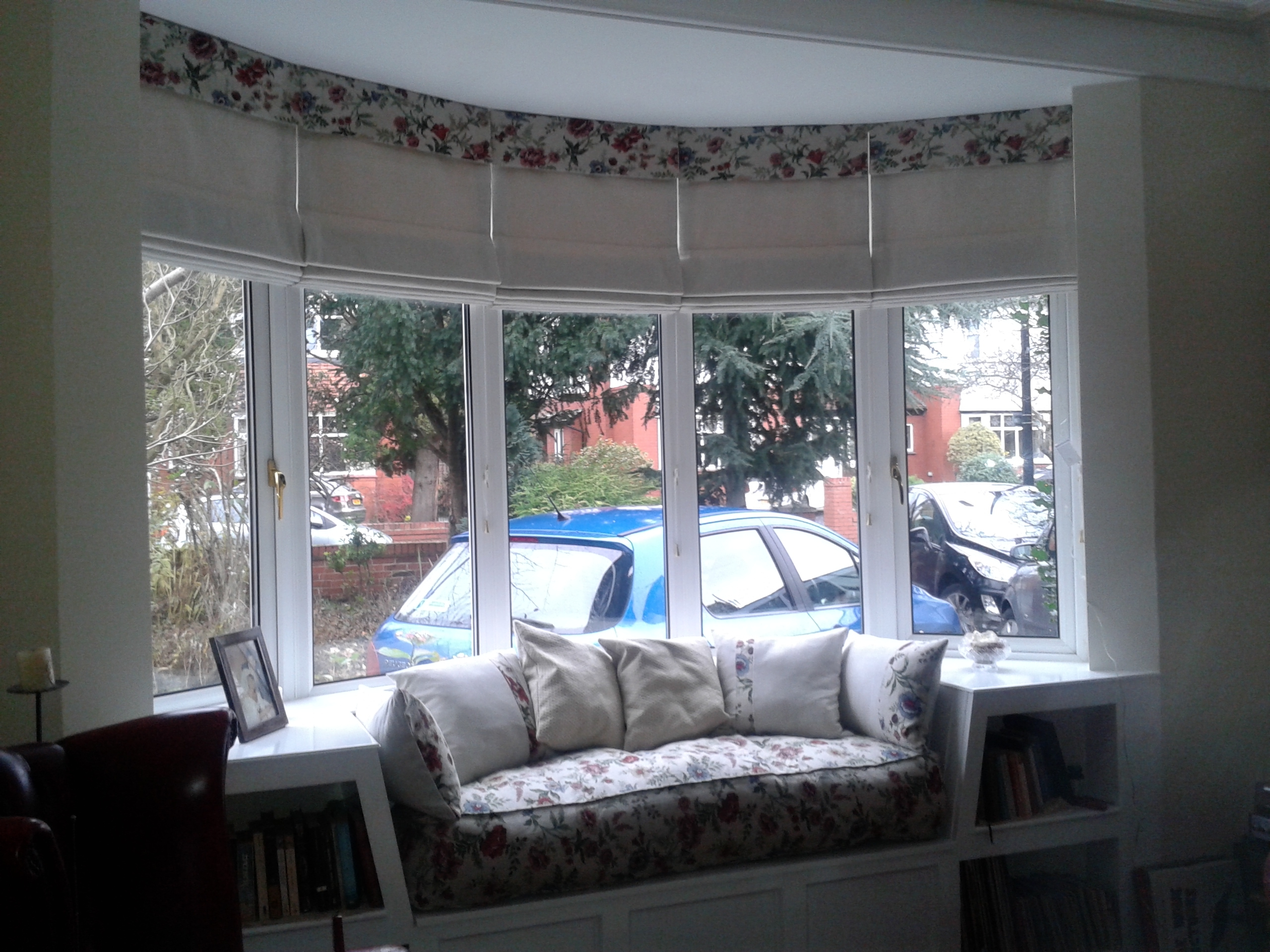 Gallery Throughout Roman Blinds On Bay Windows (Image 5 of 15)