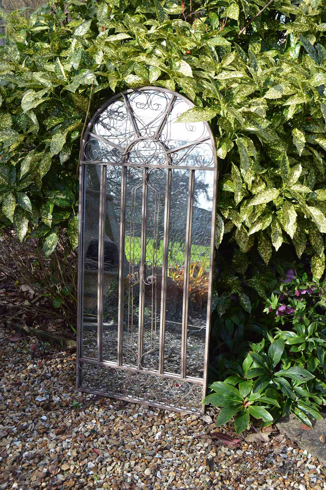 Garden Mirrors Applications To Reflect The Outdoor And Styles Regarding Outside Garden Mirrors (View 3 of 14)