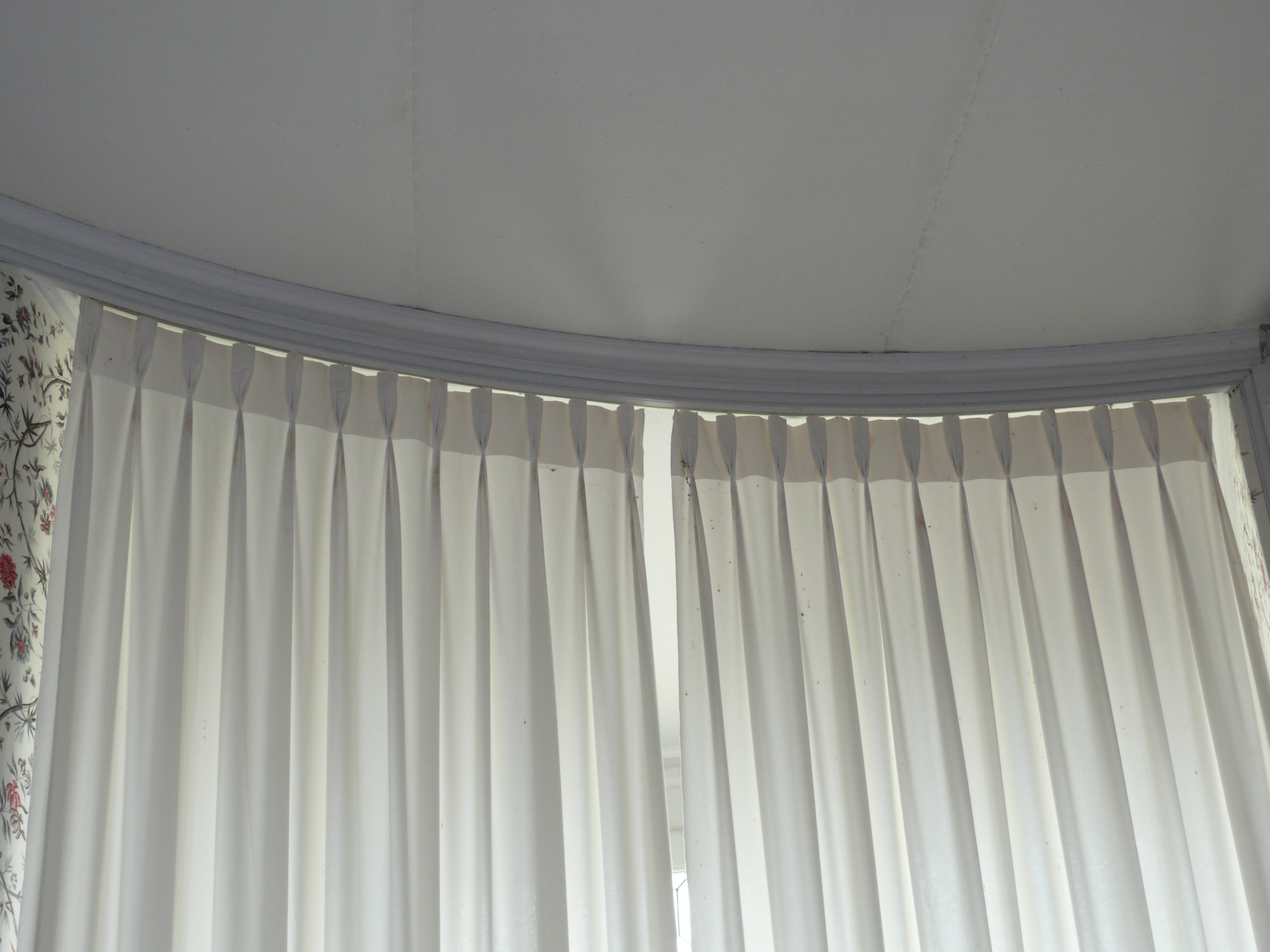 History Of Styles Window Treatments L Essenziale Intended For Curtains Pleated Style (Image 10 of 15)